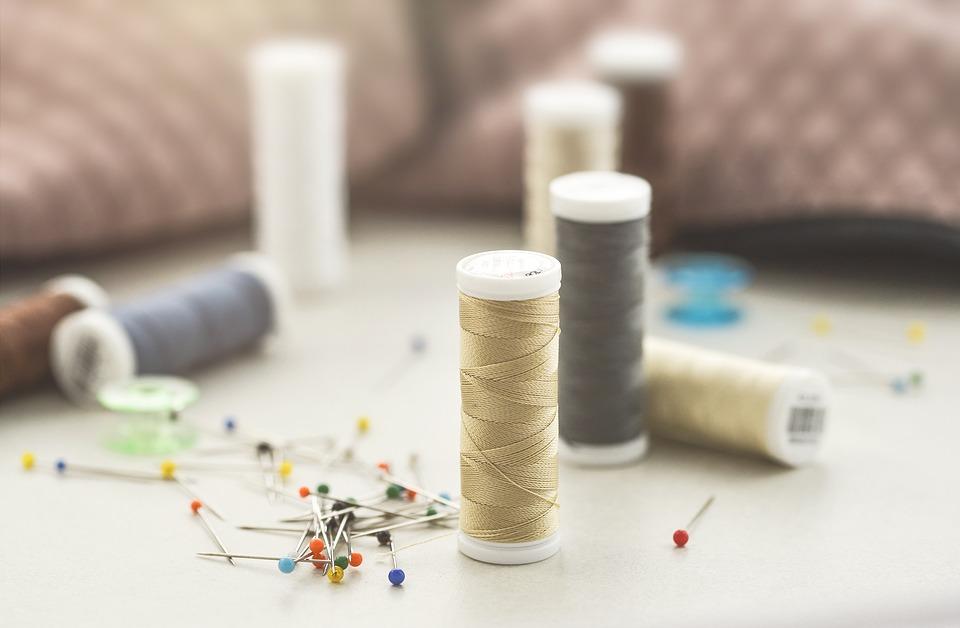 Come scegliere ago e filo per cucire. Tabella e consigli utili