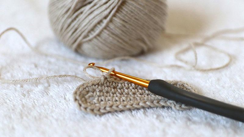 Come calcolare la misura delle suole a uncinetto e maglia