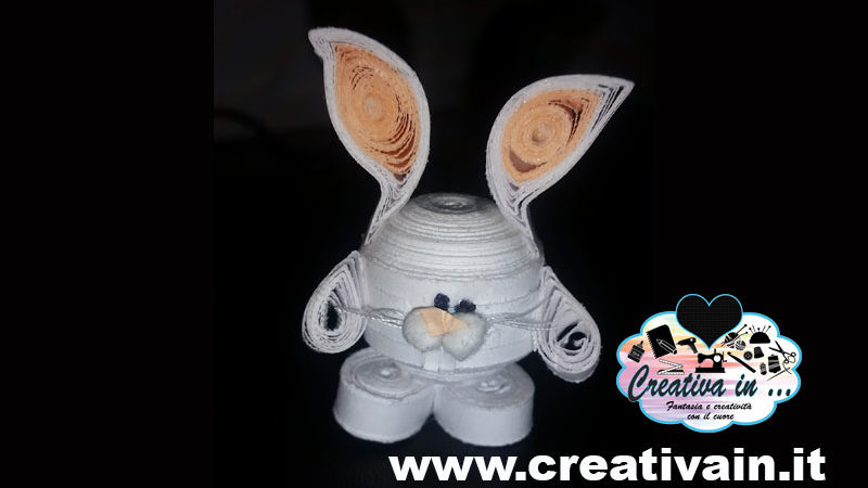 Coniglio quilling 3D. Tutorial con le strisce di carta