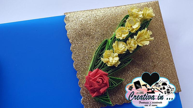 Segnalibro origami ad angolo con mimosa quilling