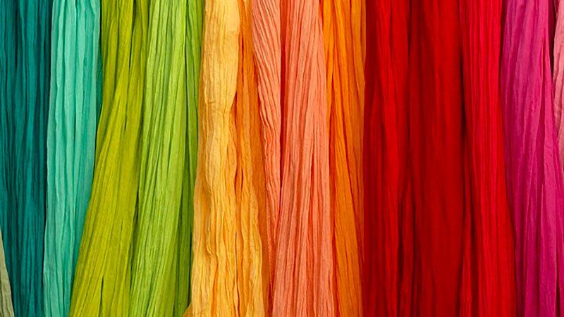 Come tingere i tessuti in modo naturale