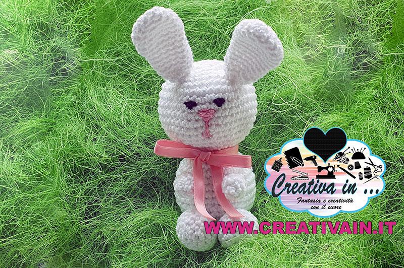 Coniglio amigurumi. Schema e tutorial gratuito