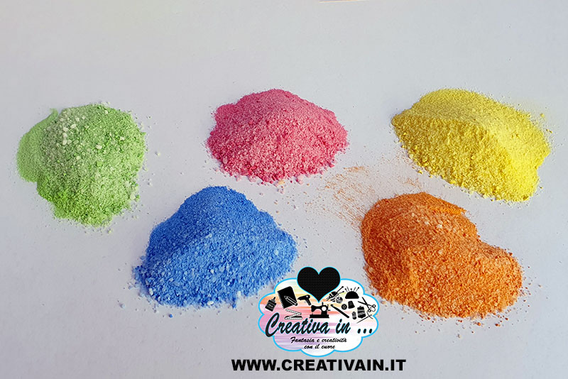 Come fare la sabbia colorata con il sale. Ricetta
